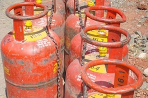 Cooking gas price to go up by around Rs 400 per cylinder