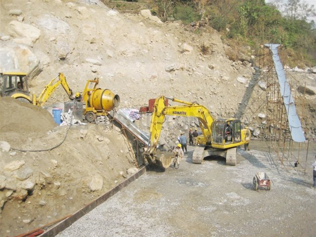 Some 15 people trapped in hydropower project tunnel